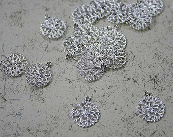 100 Snowflake Charms Drops Silver Plated 13mm