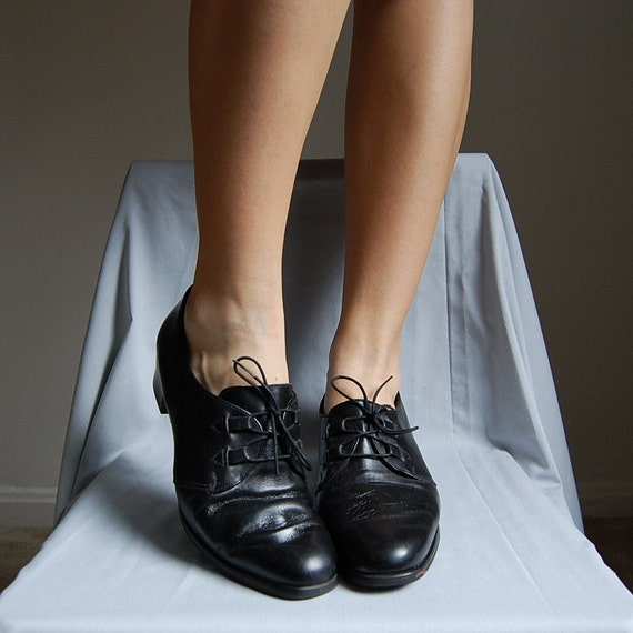1990s leather supple librarian oxford heels 9.5