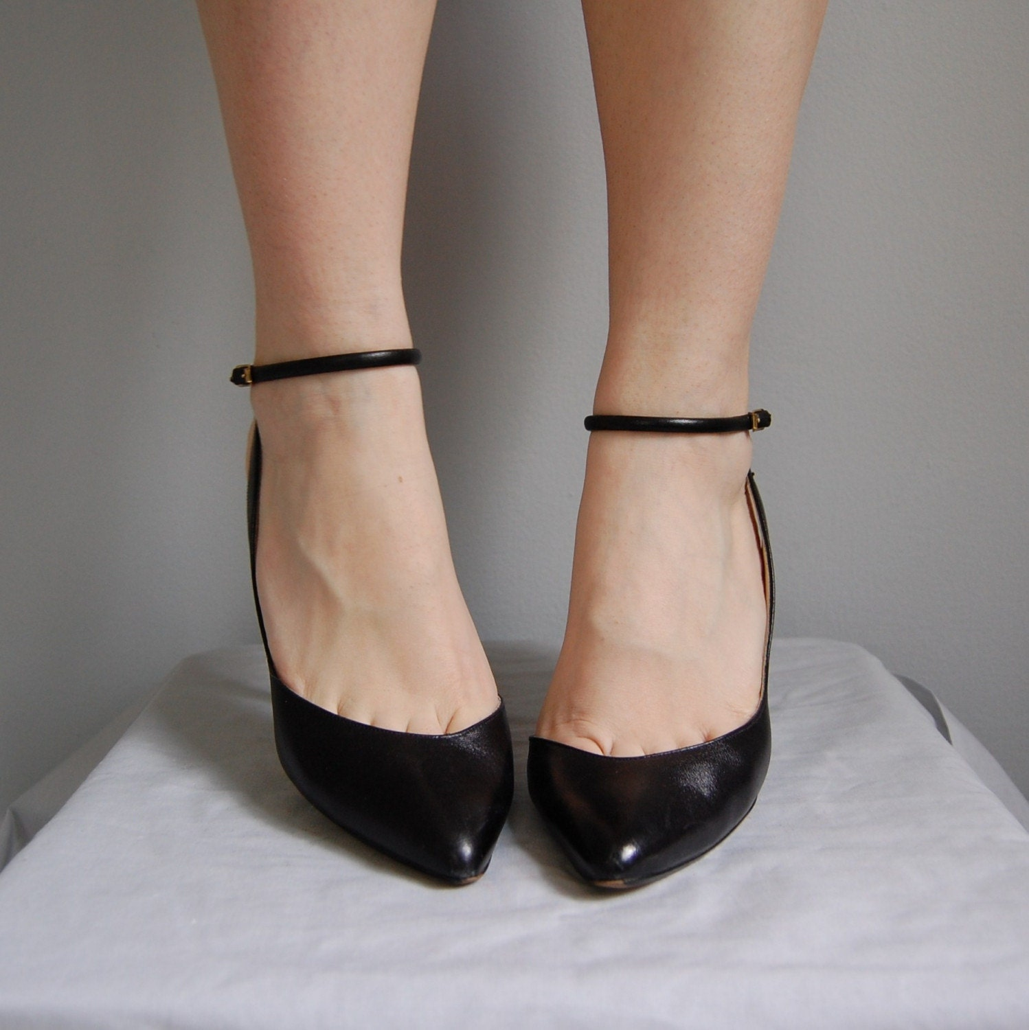 80s Leather Ankle Strap Kitten Heels 7 5