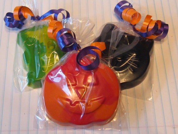 Set of 12 Individually Wrapped Halloween Crayons