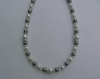 White and Silver Pearl Rhinestone Necklace