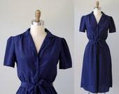 Vintage Shirtdress / 1970s Short Sleeve Shirtwaist Dress / Deep Dark Blue