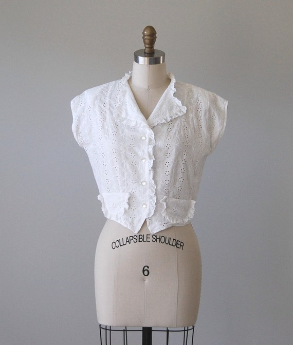 1960s Vintage Blouse / White Cotton Eyelet and Lace Cropped Blouse / Sugar Blossom