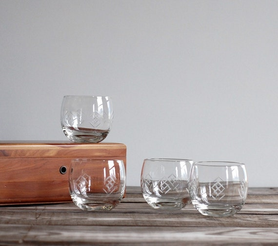 Vintage Whiskey Tumblers / Roly Poly Lowball Cocktail Glasses / Etched Arrows