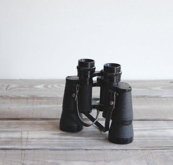 Vintage Binoculars / 7x35 Field Glasses / 1970s Sporting and Outdoor Equipment