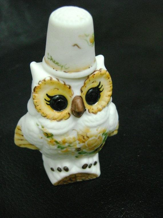 Lezas Vintage Attic Porcelain Owl Hand Painted Thimble & Holder
