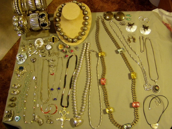RESERVE FOR CIADRUL - Vintage Lot Silver Tone Costume Jewelry 13 Necklaces 13 Bracelets 11 Pins 15 Earrings  1455