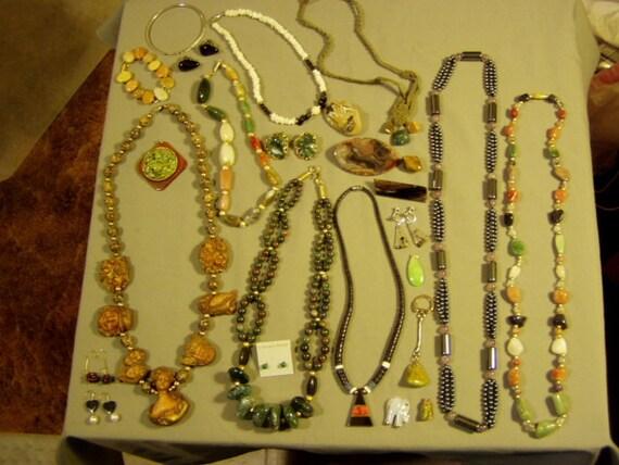 Vintage Lot Polished Semi Precious Stone Necklaces Bracelets Earrings Pins  1497