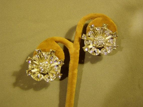 Vintage 1950s Ledo Signed Screw Back Rhinestone Earrings 2130