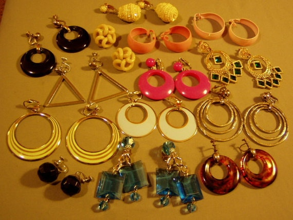 Vintage Lot 14 Pairs 1960s 1970s Mod Clip & Screw Back Earrings 1 Bergere  2158