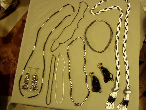 Vintage Black White Silver Glass Seed Bead 7 Necklaces 2 Pairs Earrings 2871