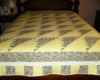 Kansas Troubles Pattern Yellow and Gray Patchwork Quilt