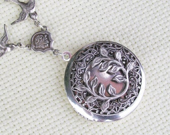 Victoriana Filigree Wreath Enchanted Silver Locket Necklace