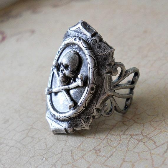 Goth Skull Ring ORIGINAL EXCLUSIVE DESIGN-Unisex-Steampunk Chic
