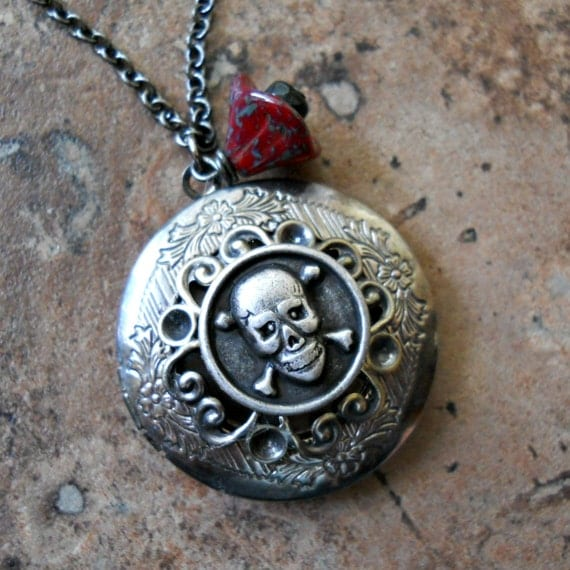 SALE Victoriana Steampunk Pirate Skull Locket in Silver Only by Enchanted Lockets