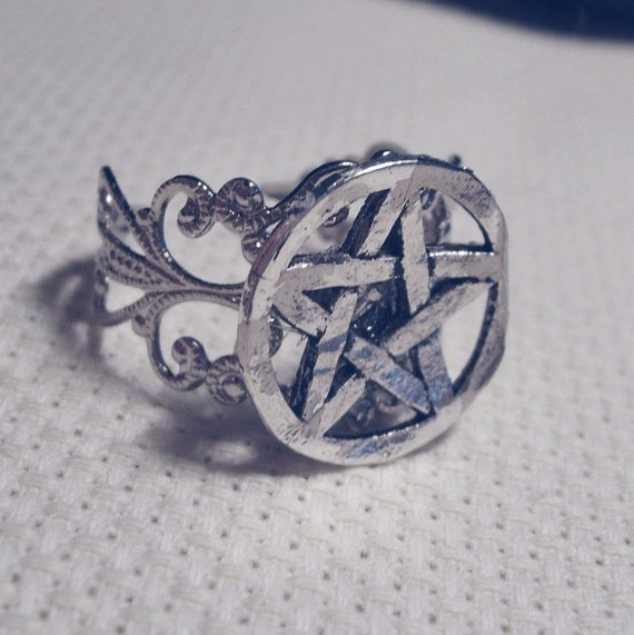 Enchanted Pentacle Ring of the Werewolf