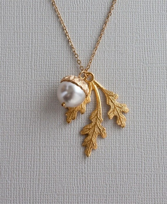 Gold  Oak Leaf  Necklace with Acorn - Perfect for Birthday , Anniversary, Best friend Gift