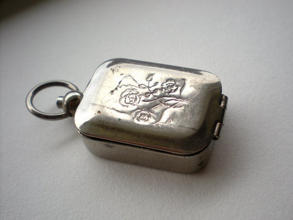 Vintage Silver Seal Pendant in Spring Loaded Case