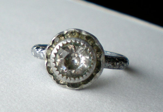 Vintage Art Deco Glass Costume Ring