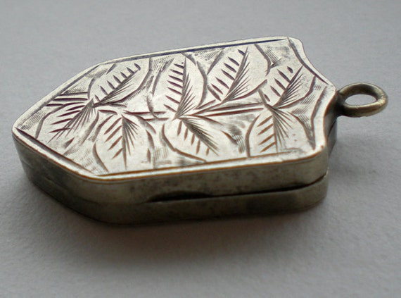 Antique Victorian Silver Leaf Locket