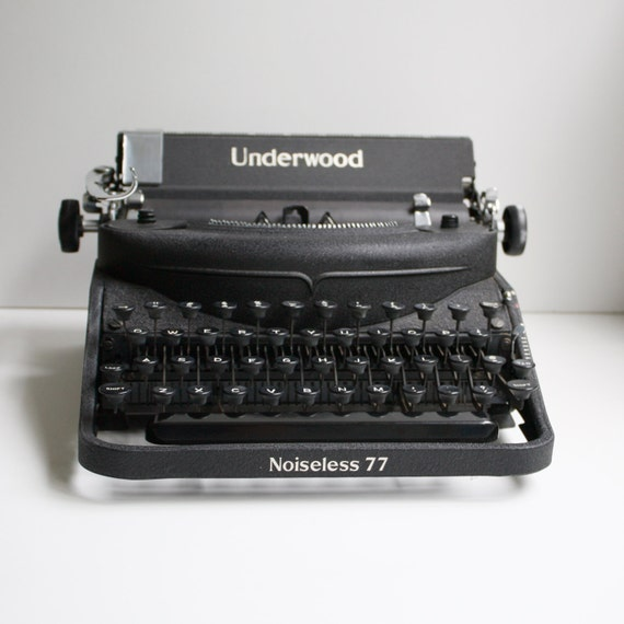 Vintage 1940s Underwood Typewriter By Kitchentablevintage On Etsy
