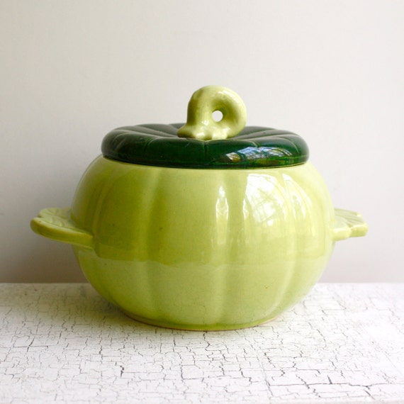 "Vintage Covered Bowl by Hoenig of California - ""Pumpkin Pot"" Bowl - Pea Green"
