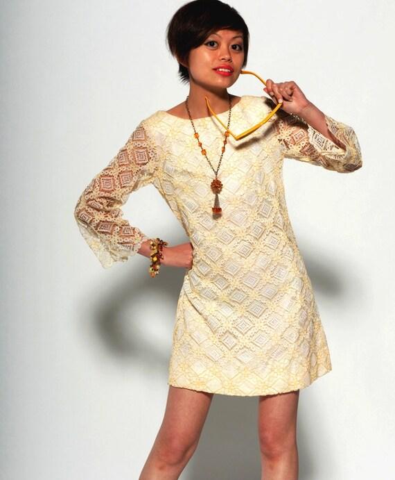 Vintage 1960s Yellow & White Lacy Mini Dress w/Bow sash at Rear, Mod