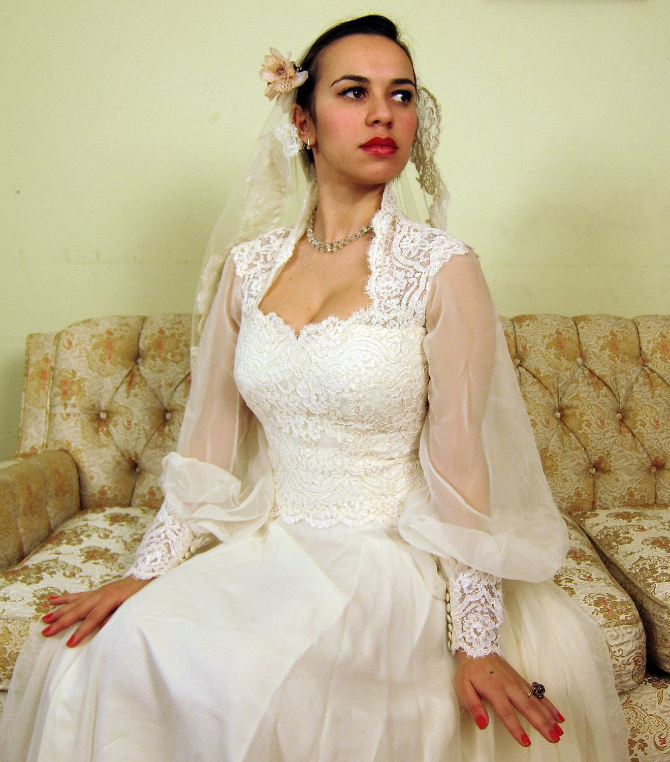 Vintage 1970s house of bianchi wedding dress in ivory lace for 1970s vintage wedding dresses