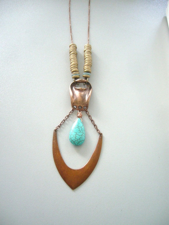 Turquoise gem necklace