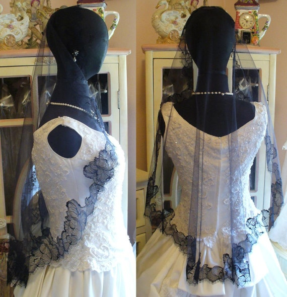 """SALE Victorian Gothic Black Delicate Chantilly Eyelash Lace Mantilla, Mourning or Costume Veil """"Black Orchid"""""""