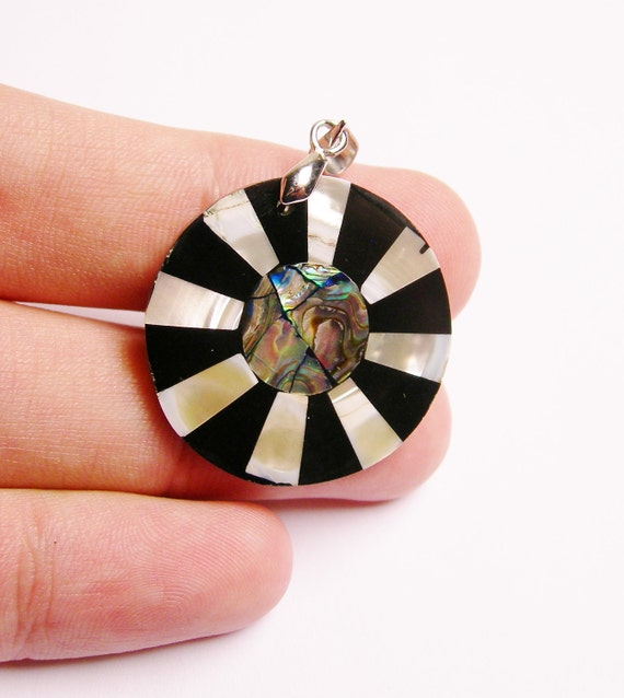 Mother of pearl mix shell  pendant focal  bail included 1 pcs natural