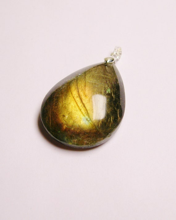 Labradorite  pendant drill on top bail included 1 pcs genuine labradorite gemstone