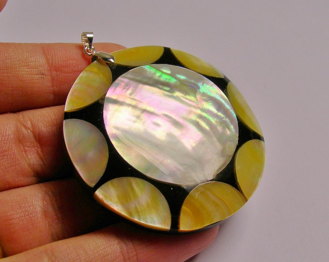 Shell pendant focal cabochon 1 pcs bail included,SP-20