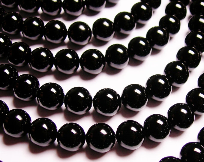 Black Onyx - 10mm round beads -1 full strand - 40 beads - AA quality - RFG307