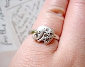 Elephant Ring - Antique Silver Style