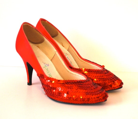 1960s Stiletto Heels / LIPSTICK RED Pumps / Vintage Heels Size 5   -Shoe SALE