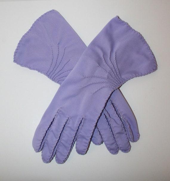 1950s Gloves // Vintage LAVENDER Dress Gloves