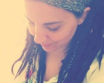 Gypsy Wraps by Julie Bartel - Narrow Grey Swirl Batik Gypsy Wrap, size M or L - no tie bandana, hair wrap, dread wrap, yoga headband