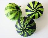 DIY Paper Ornament Kit - Polka Dots Green