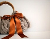Knit hand bag, fall autumn - winter fashion, women accessories, Knitted Handbag - Beige melange, rusty satin ribbon bow, christmas gift idea