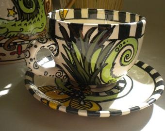 Alligator Cup Gumbo Bowl with Yellow Fleur de Lis