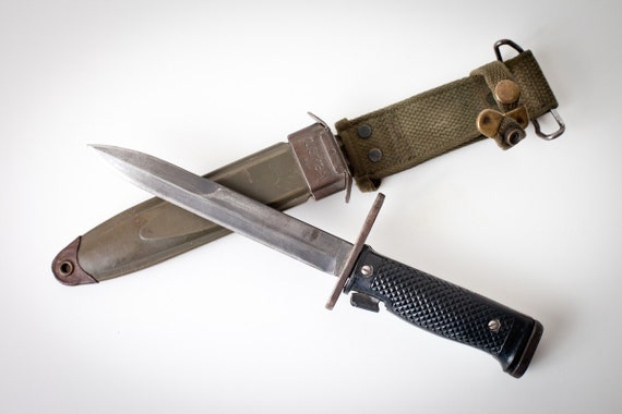 Vintage Vietnam War Era U.S. M6 Milpar Col Military Bayonet with M8AI Scabbard