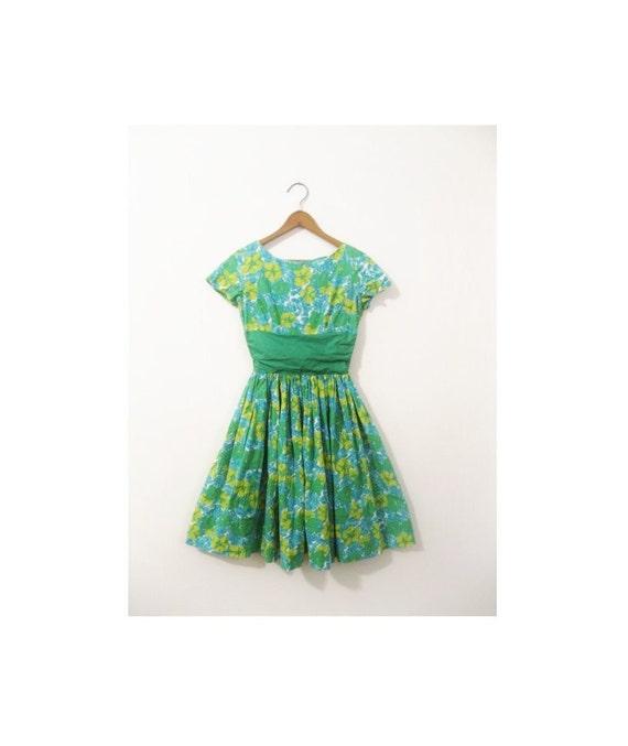 1940s-1950s FLORAL pretty spring dress