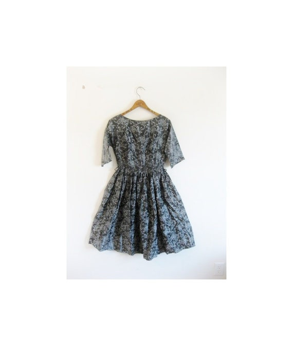 1940s-1950s PAISLEY classic silver lovely dress