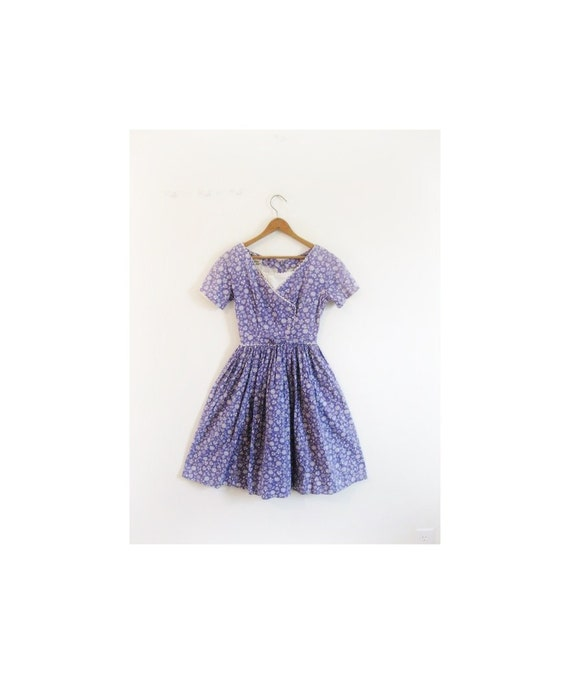 Black Friday SALE . . . 1940s-1950s CUTE tulip lavender dress