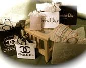 Dolls House Miniatures- 1/12th Designer Shopping Bags set 16