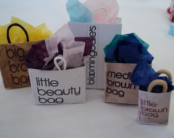 Dolls House Miniatures-  1/12th Shopping Bags - USA - set 1