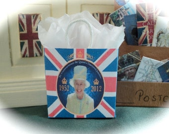 DOLLS HOUSE MINIATURES - 1/12th Royal Diamond Jubilee Shopping Bag