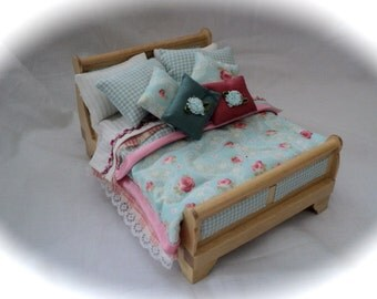 Dolls House Luxury Dressed Double Bed - Penny