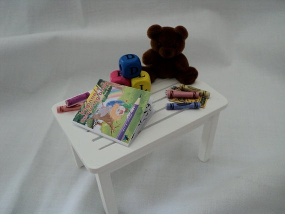 Dolls House Miniatures - Toy Table x1